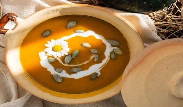 Feestelijke soepgarnering